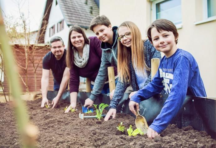 Daniela Mayr und ihre Familie im Probier amol-Modus